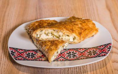 D-Plăcintă cu brânză de vaci si verdeața